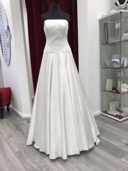 Hochzeitskleider mit spitze und schleppe
