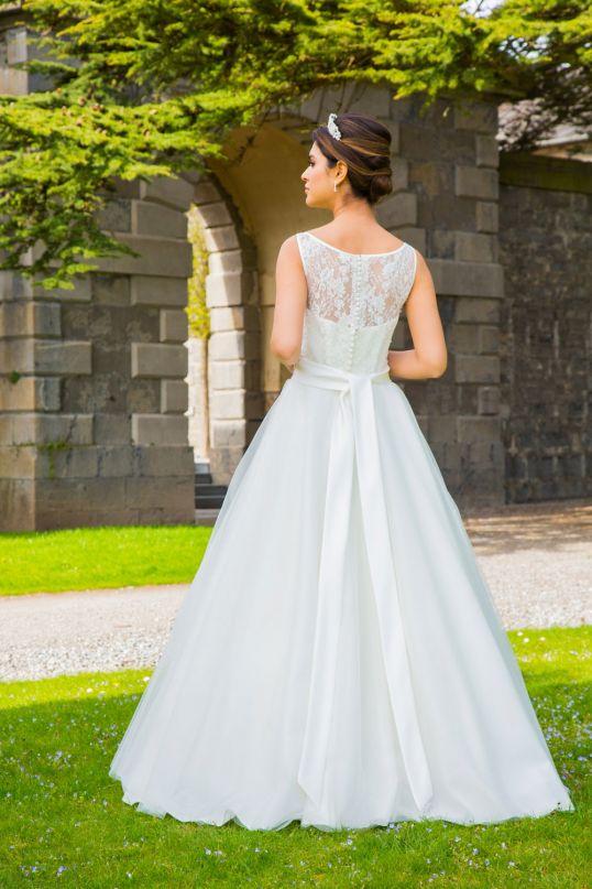 Jennifer romantisches Brautkleid im Vintagelook auch in Übergrössen ...